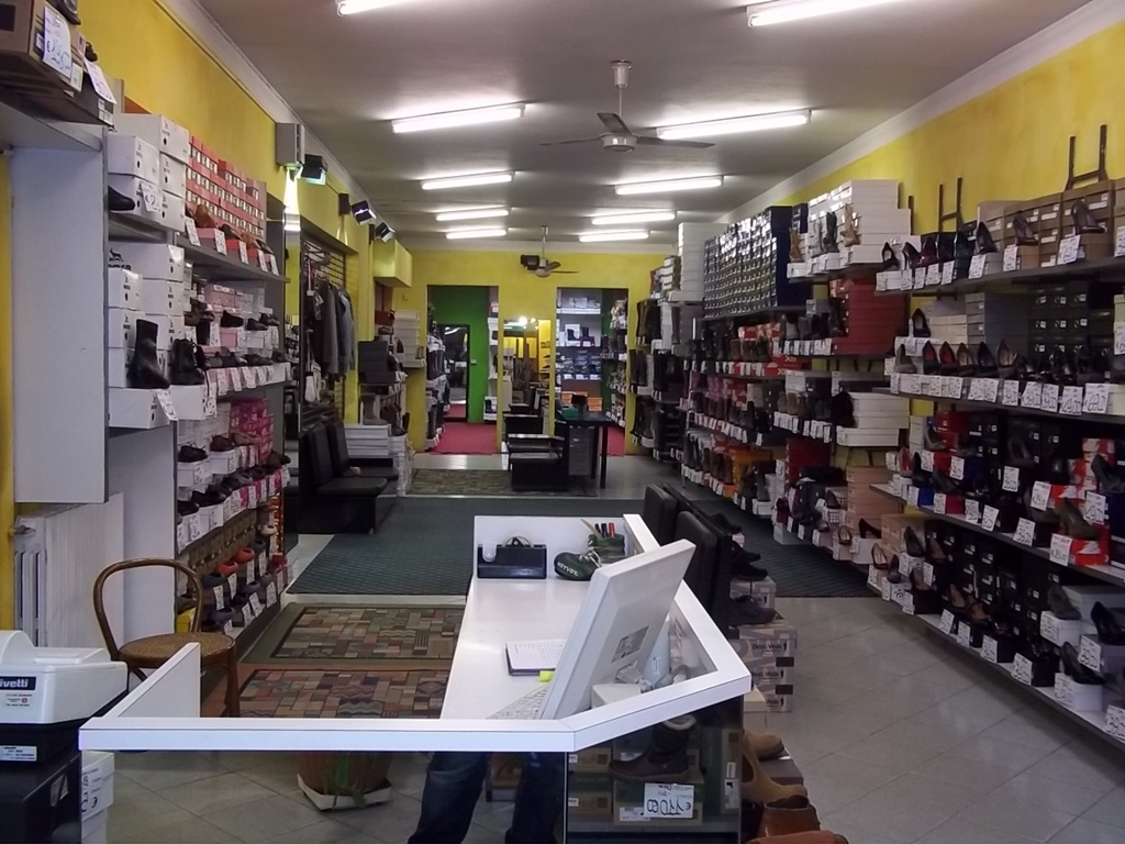 Negozio ReSpagnidue I° Viale Umberto Shop HE2IW9DYbe